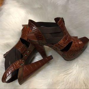 Size 7.5M Jessica Simpson high heels zip up